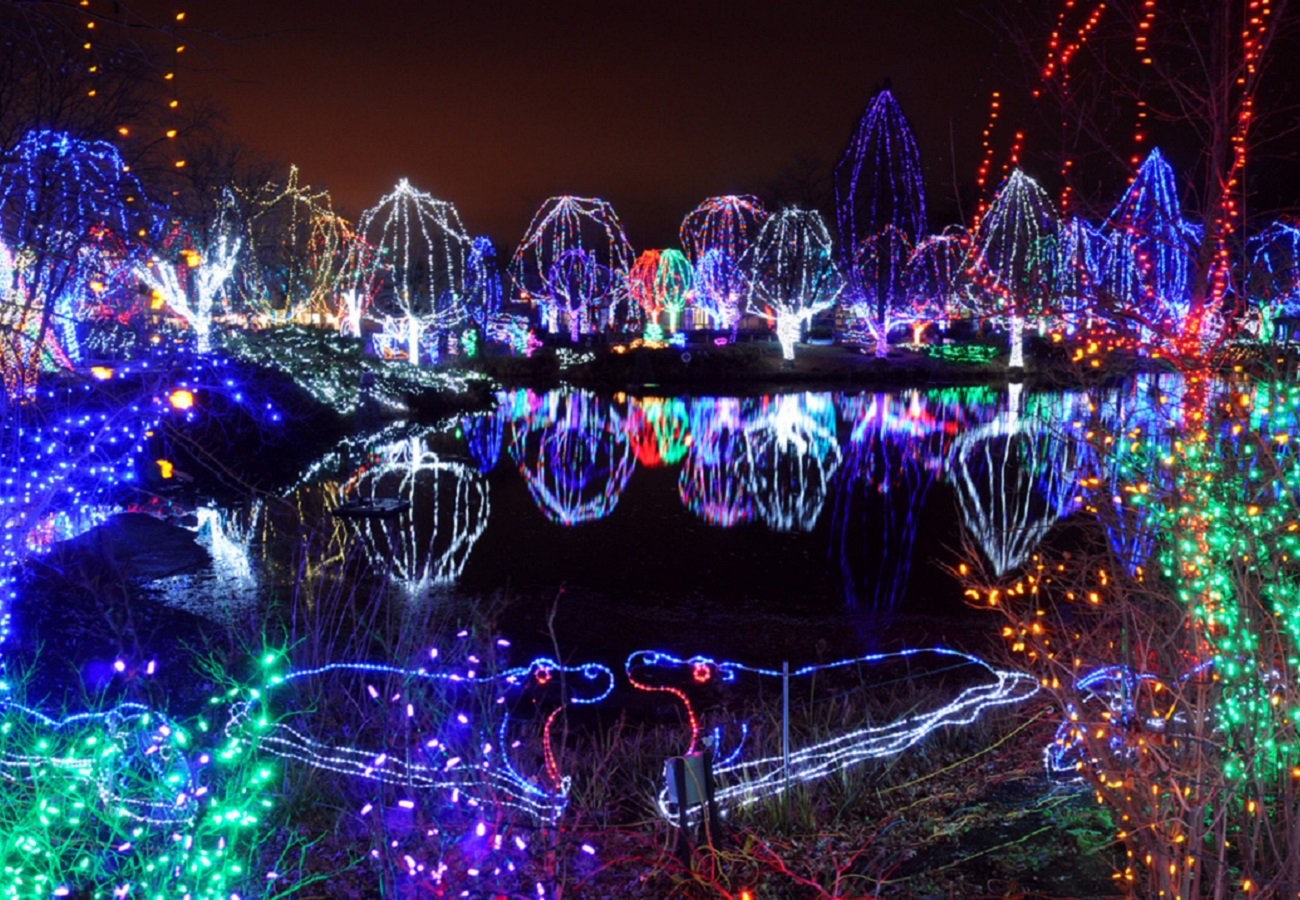 Drive Thru Christmas Lights.8 Holiday Light Displays To Visit In Columbus This Winter